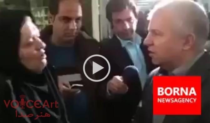 سوال ناراحت کننده مجری از علی پروین در عیادت منصور پورحیدری+ فیلم