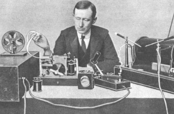 «راپورتچی» رادیو صبا با مروری بر تاریخچه اختراع رادیو