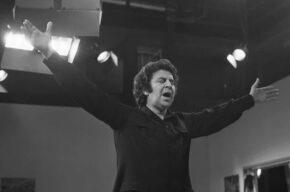 تحلیل موسیقی فیلم«زد»با یادی ازمیکیس تئودوراکیس در رادیو نمایش